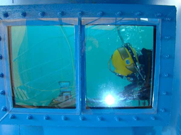 Dry Underwater Welding
